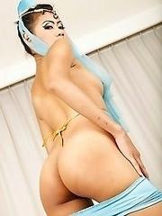 Cute Thai Girl Yok Pussy Banged